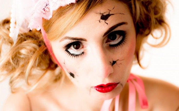 Halloween Make Up // Living Broken Doll !