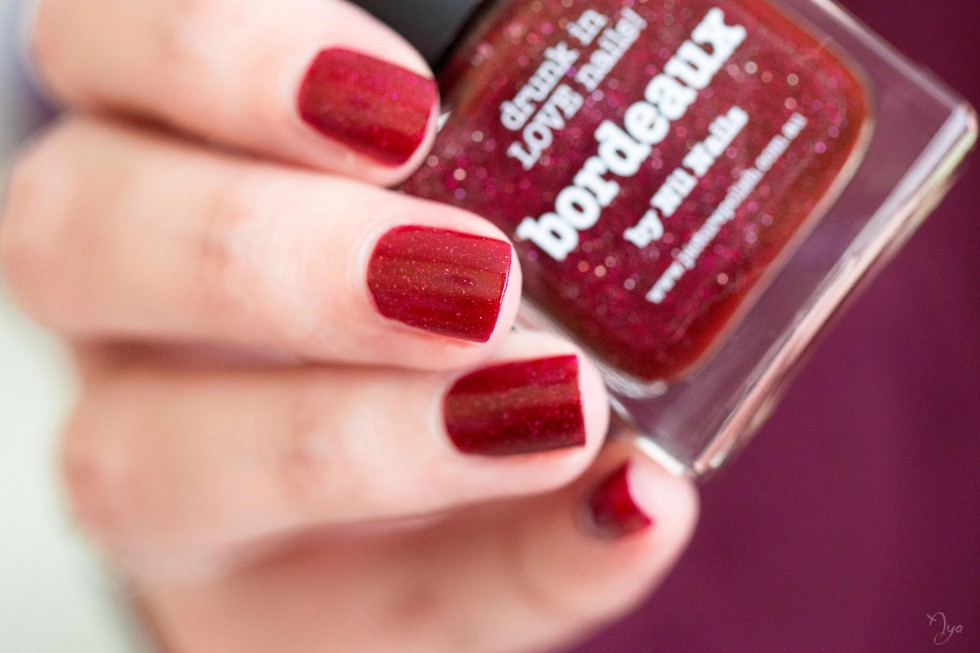bordeaux picture polish
