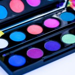 Electric Palette Urban Decay // Swatchs et make up coloré !